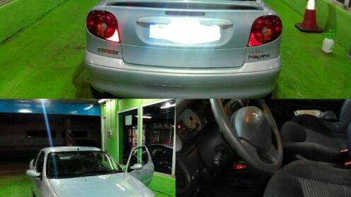 Lavado interior y exterior de coche con maletero