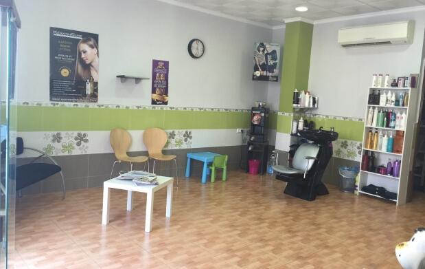 2 peinados + 1 corte + limpieza de cutis por 25€