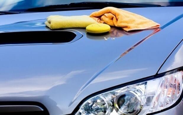 ¡Lavado manual para tu coche!