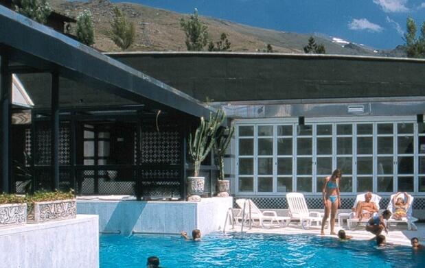 1 noche de alojamiento para 2 personas + piscina