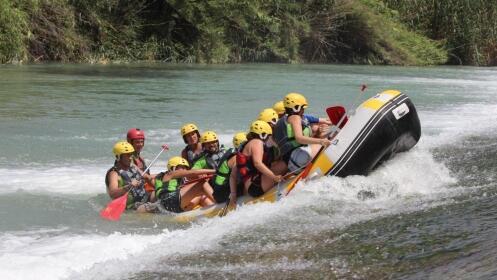 Descenso fluvial en Raft o Kayac. Visita a 2 cuevas + almuerzo + fotos