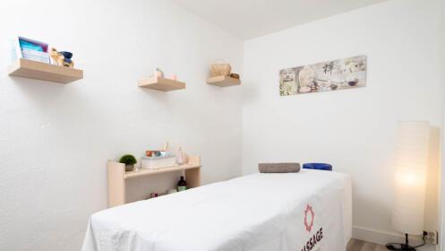 Sesión de masaje (60 min.) en el centro a elegir