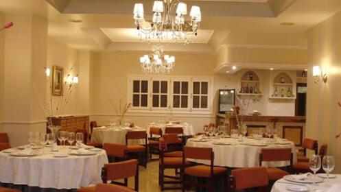 Olla de San Antón para 2 o 4 personas en Restaurante Carmen de Guadix