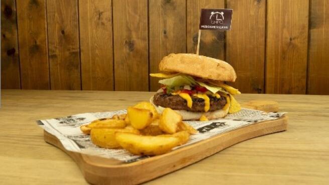Menú Burguer Deluxe para 2 con 2 hamburguesas Premium + envío a domicilio GRATIS