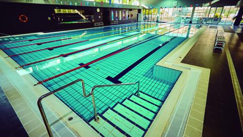 1 mes + matrícula gratis: Nado Libre en piscina O2 Centro Wellness, por 25€